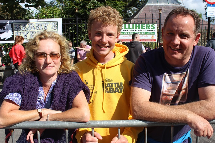 Viewing the Airshow from Denny Street on Sunday were, from left: Emma Tidmarse, James Tidmarse and Murray Tidmarsh. Photo by Gavin O'Connor
