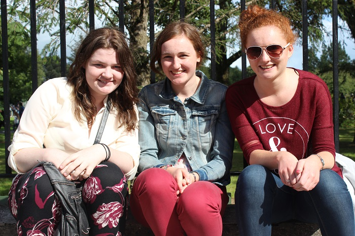 Viewing the Airshow from Denny Street on Sunday were, from left: Ellen Murphy, Alison Mullen and Claire Mullen. Photo by Gavin O'Connor