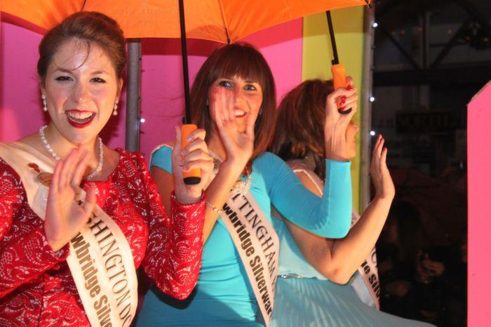 The Washington and Nottingham Roses  having fun at the Rose Parade on Saturday night. Photo by Dermot Crean