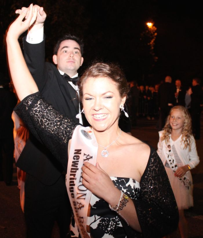 Party time for Arizona Rose Sarah Hines, her escort and Rosebud  at the Rose Parade on Saturday night. Photo by Dermot Crean