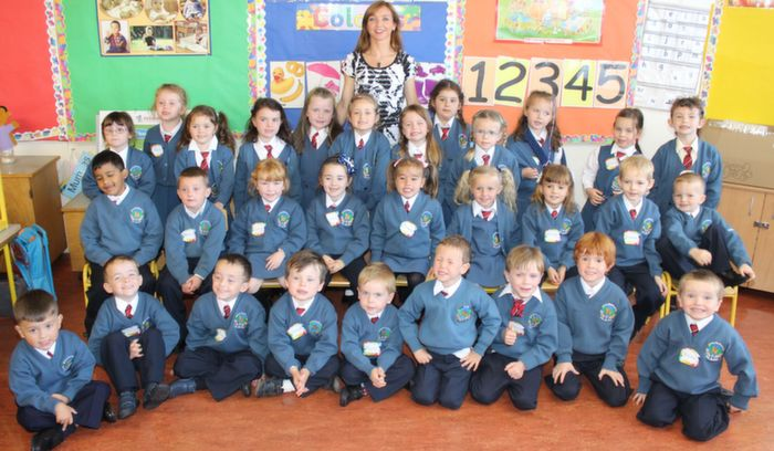 Ms Siobhan Daly's junior infants class in Scoil Eoin on their first day in school. Photo by Dermot Crean