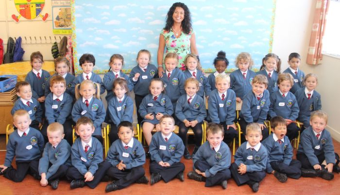 Ms Fiona Sheehan's junior infants class in Scoil Eoin on their first day in school. Photo by Dermot Crean