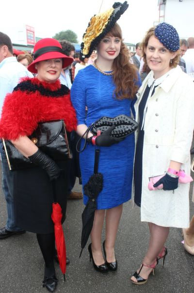 Elizabeth McDaid, Tralee, Aisling McDaid, Tralee and Ann Marie Mitchell, Limerick, enjoying Ladies Day at Listowel Races on Friday. Photo by Dermot Crean