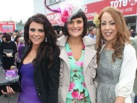 VIDEO/PHOTOS: Glam Ladies At The Listowel Races