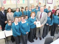The Mounthawk Transition year class prensenting mayor of Tralee, Jim Finucane, with a pennant to mark the occasion. Photo by Gavin O'Connor.