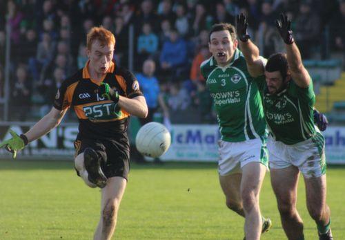 Shane O'Callaghan shoots against Ballincollig in the Munster Club Championship last year. Photo by Dermot Crean.