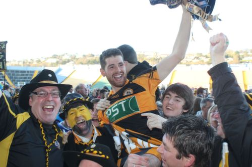 Captain Barry Shanahan celebrates with the Rockie fans. Photo by Dermot Crean