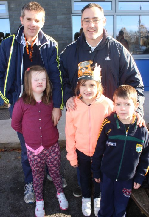 Ristears Pierse with Pa Laide and children Ciara and Barry  at the Cork Constitution Rugby Club prior to the match on Sunday. Photo by Dermot  Crean