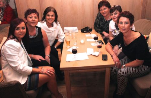 Valerie O'Shea, Mairead O'Connor, Martina O'Meara, Mary O'Halloran, Siobhan O'Shea and Maureen Murphy at the Ballygarry House Hotel Women's Christmas Celebration. Photo by Dermot Crean