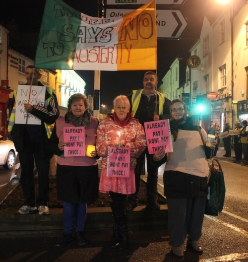 Right2Water protesters outside the Brogue Inn. Photo by Gavin O'Connor.