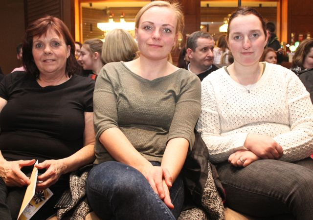 Maria O'Shea, Michelle O'Shea and Anita O'Sullivan at the 'Talent Of Tralee' fundraising concert on Friday night in the Fels Point Hotel. Photo by Dermot Crean
