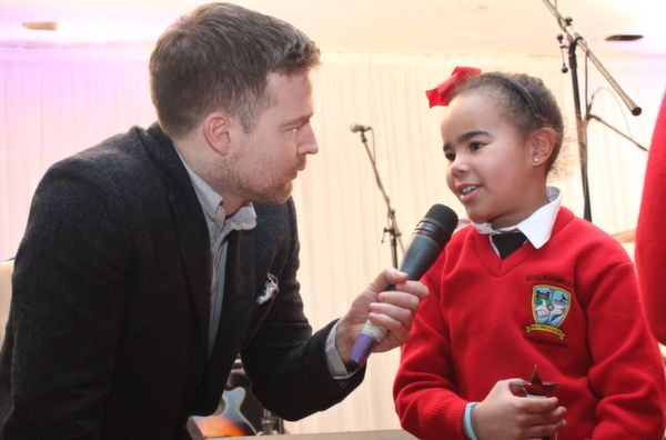 Bouleenshere National School pupil, Paige Drury talks to Aidan Power. Photo by Gavin O'Connor.