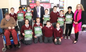 Councillor Terry O'Brien and Mayor of Tralee Jim Finucane with Miss O'Sullivans Holy Family National School sixth class, front from left: Terry O'Brien, Yuxi Mzhang, Niall Fitzmaurice, Matthew Brown and Eoin McDonald. Back: James O'Halloran, Brandon Ndebele, Liam McGee, Johnathan Kerry, Vincent Mulligan, Robert Kerins, Usman Butt and Michelle O'Sullivan. Photo by Gavin O'Connor.