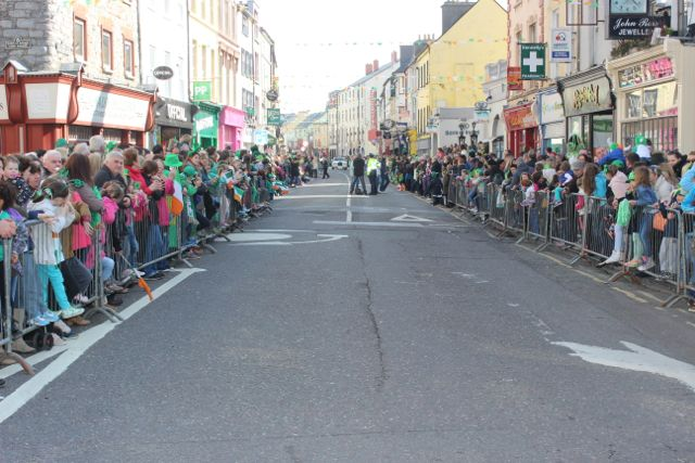 Crowds in Castle Street waiting for the parade to start. Photo by Dermot Crean