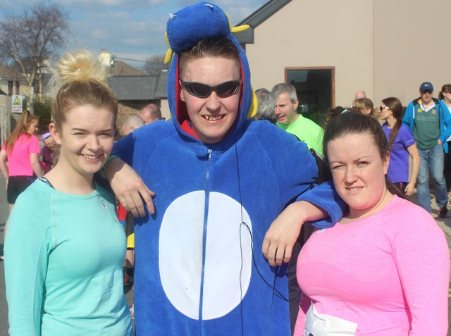 At the Kerins O'Rahillys Ladies 5K Family Fun Run were, from left: Brie Curtin, Jason Conway and Sarah Hayes. Photo by Gavin O'Connor.