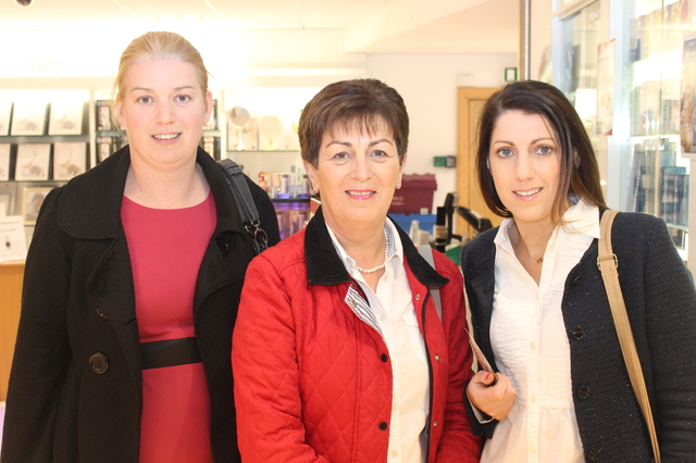 At the  were, from left: Fiona Healy, Mary O'Connor and Orla O'Byrne. Photo by Gavin O'Connor.