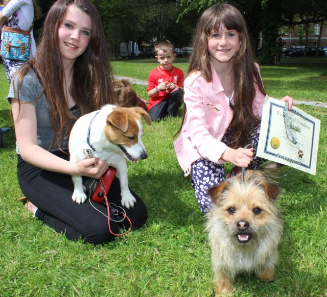 Karina and Marguerite O'Halloran with 'Rosebud' and 'Bingo' at the Féile na mBláth Dog Show in the Town Park on Saturday. Photo by Dermot Crean