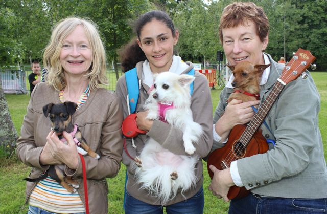 Sally Ryle and 'Millie, Jasmine Ryle with 'Twinkle' and Alison Boardman and 'Jimmy Choo' at the Féile na mBláth Dog Show in the Town Park on Saturday. Photo by Dermot Crean