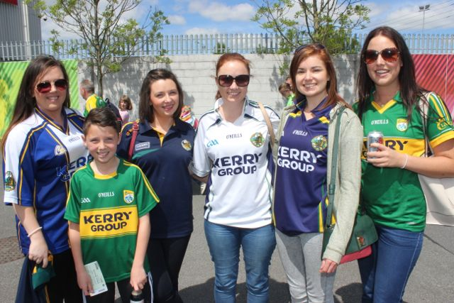 Gerdi Mulvihill, Ciaran Mulvihill, Maria Mulvihill, Sinead Kennelly, Aisling Kennelly and Clare McNamara in Thurles for the Tipperary v Kerry match on Sunday. Photo by Dermot Crean