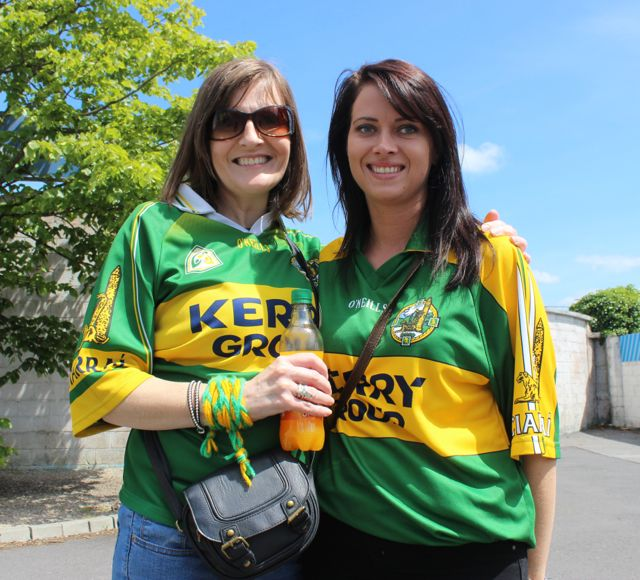 Maura O'Neill and Sarah Counihan in Thurles for the Tipperary v Kerry match on Sunday. Photo by Dermot Crean