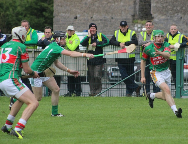 Action from the Ballyduff v Crotta match on Tuesday night. Photo by Gavin O'Connor