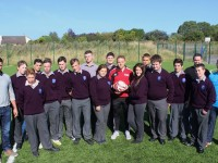 Coláiste Gleann Lí, 5th Year Students and staff with Kerry footballer, Darren O'Sullivan. Photo by Gavin O'Connor.