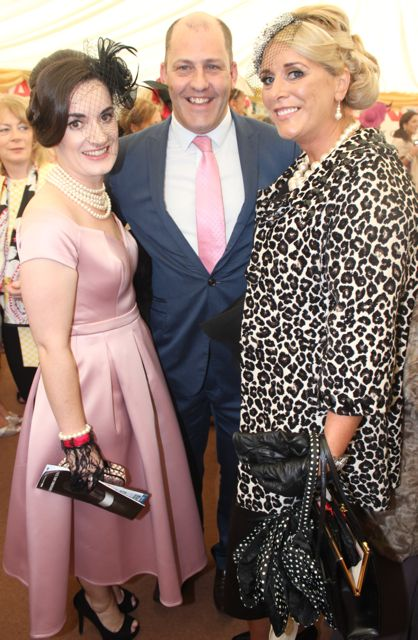 Jennifer Kissane, Tralee, Best Dressed Lady Judge Brian Purcell and Lisa Martin, Tralee, enjoying Ladies Day at Listowel Races on Friday. Photo by Dermot Crean