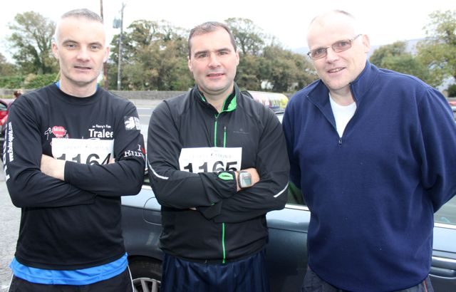 Philip O'Connor, John Nix and Kevin Finn at the Churchill GAA 10k run on Sunday morning from the Oyster Tavern. Photo by Dermot Crean