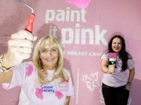 Repro Free: 30/09/2015 RTE's Miriam O'Callaghan and TV3's Triona McCarthy, who have each lost a sister to cancer, join together to Paint it Pink for the Irish Cancer Society to fight breast cancer this Breast Cancer Awareness Month. To join the fight against breast cancer this October visit www.paintitpink.ie for information on how to get involved. Picture Andres Poveda  ENDS For further info contact: Donna Parsons Communications Officer  Irish Cancer Society T: +353 1 2310 573 E: dparsons@irishcancer.ie