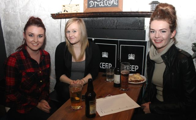Nicole Moriarty, Katie Kelly, Bree Curtin at the table quiz in aid of Sera Husky Animal Rescue in Roundy's Bar on Thursday night. Photo by Dermot Crean