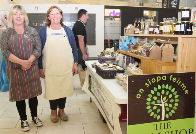 Michelle O'Sullivan of An Siopa Feirme and Josie O'Donnell from O'Donnell's Bakery, Killorglin, at the Taste Of Tralee event in Manor West on Saturday. Photo by Dermot Crean