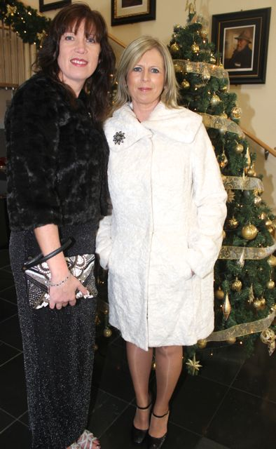 Hanna Quirke and Ellen Healy at the Connect Publications Ladies Lunch and Fashion Afternoon in aid of MS Tralee /West Kerry Branch at the Ballyroe Heights Hotel. Photo by Dermot Crean