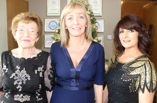 Mary O'Hara, Dawn O'Hara and Kay O'Halloran, Ballyheigue, at the Connect Publications Ladies Lunch and Fashion Afternoon in aid of MS Tralee /West Kerry Branch at the Ballyroe Heights Hotel. Photo by Dermot Crean
