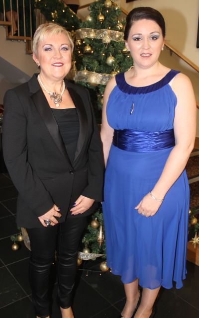 Mary McCaffrey and Niamh Quirke at the Connect Publications Ladies Lunch and Fashion Afternoon in aid of MS Tralee /West Kerry Branch at the Ballyroe Heights Hotel. Photo by Dermot Crean