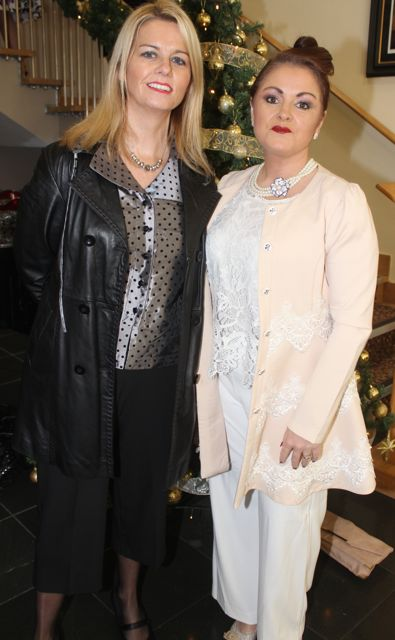 Caroline O'Meara and Joan Lowe at the Connect Publications Ladies Lunch and Fashion Afternoon in aid of MS Tralee /West Kerry Branch at the Ballyroe Heights Hotel. Photo by Dermot Crean
