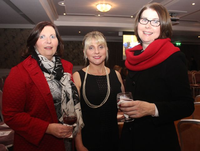 Eleanor McMahon, Sorcha Uí Shuilleabháin and Angela Quinlan at the Tralee Imperials fundraising fashion show at the Fels Point Hotel on Friday night. Photo by Dermot Crean