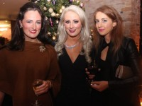 Mairead O'Connell, Ursula O'Keeffe and Kathleen Houlihan at the Tralee Imperials fundraising fashion show at the Fels Point Hotel on Friday night. Photo by Dermot Crean