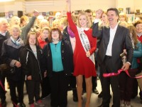 2015 Rose of Tralee, Elysha Brennan, cuts the ribbon at the opening of the new Action Losotho book shop in Tralee Shopping Centre. Photo by Gavin O'Connor.