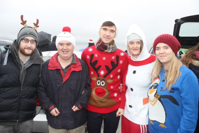 Matthew, Noel, Gearóid, Clare And Teresa Lee at the Christmas Day swim in Fenit. Photo by Dermot Crean