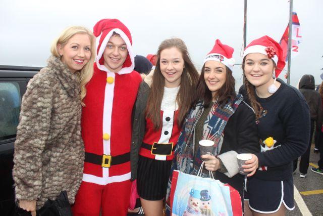 Nicola Keohane, Kieran Brosnan, Eimear Brosnan, Maeve Brosnan and Sinead Brosnan at the Christmas Day swim in Fenit. Photo by Dermot Crean