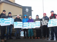 IT Tralee lecturers and staff on the picket line at the South Campus. Photo by Gavin O'Connor.
