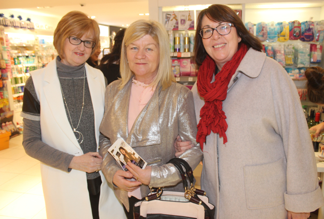 Jane Hurley, Rose O'Keeffe and Marie Clifford at the Fortunate Benavoli Make-Up Masterclass at CH on Friday evening. Photo by Dermot Crean