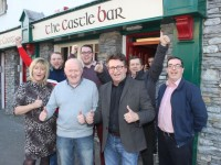 Winners of The Castle Bar Rollover, Danny Diggins and Tom Clifford (front) with Mandy McKenzie Vass, Paul Barry, Jamie Wrenn, Peter McKenzie Vass and Sean Fitzgerald. Photo by Dermot Crean