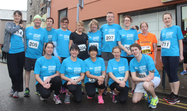 A group running for Jigsaw at the start of the Half Marathon on Saturday morning. Photo by Dermot Crean