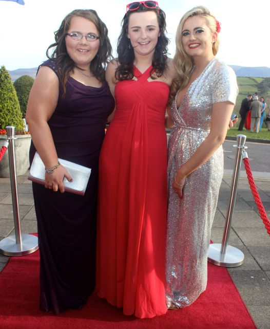 Linda Kelleher, Doireann O'Shea and Triona O'Dwyer at the IT Tralee College Ball at the Ballyroe Heights Hotel on Wednesday night. Photo by Dermot Crean