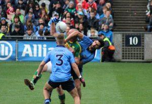 Kieran Donaghy and Cian O'Sullivan grapple for the ball. Photo by Dermot Crean