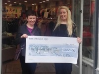 Mods and Minis together with their customers raise nearly €3000 for local charities! Pictured from L-R: Margaret Kelly- from the Emly Ward at University Hospital Kerry with Alison Roche - Manager of Mods & Minis Tralee Store.