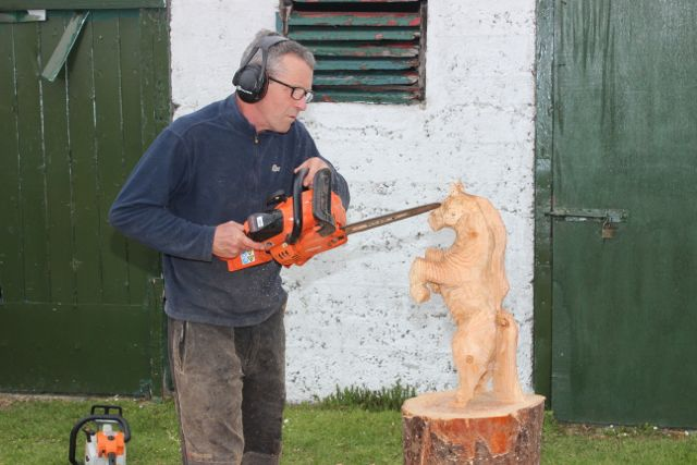 Will Fogarty of Fear Na Coillte Chainsaw Sculptures at the Kingdom County Fair on Sunday. Photo by Dermot Crean