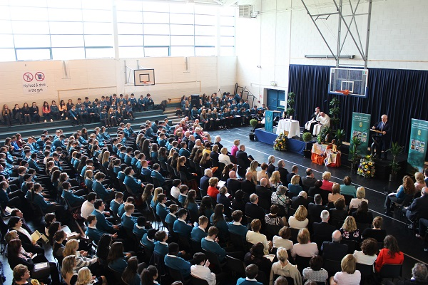 A large crowd was in the Mercy Mounthawk sportshall to celebrate a mass before the unveiling. Photo by Gavin O'Connor.