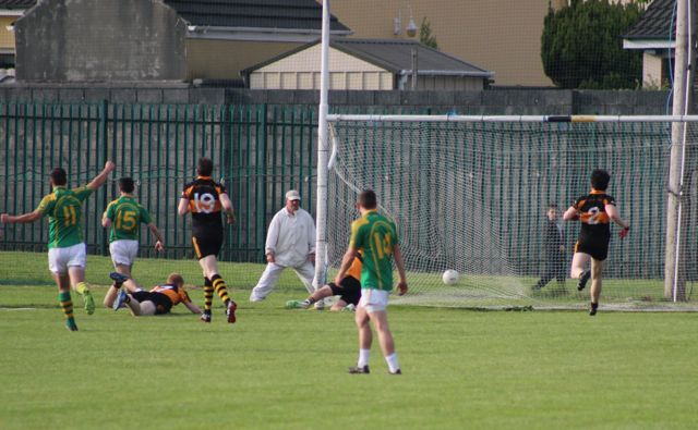 The decisive second South Kerry goal scored by Sean Cournane (15) during the Austin Stacks v South Kerry game on Saturday. Photo by Dermot Crean